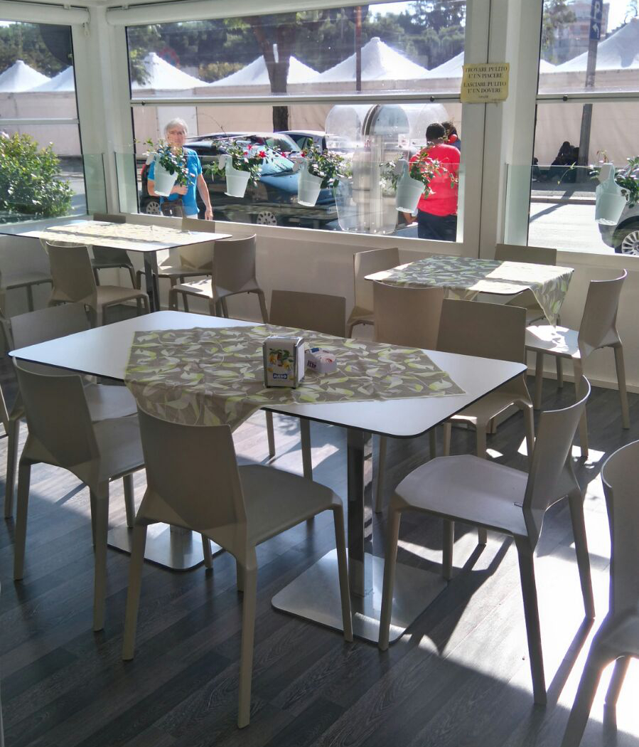 Nuovo volto alla ristorazione con il tovagliato monouso for Nuovo arredo andria
